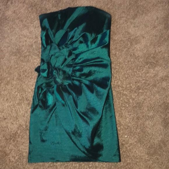 Jessica McClintock Dresses & Skirts - LN Jessica McClintock Emerald Green Cocktail XS